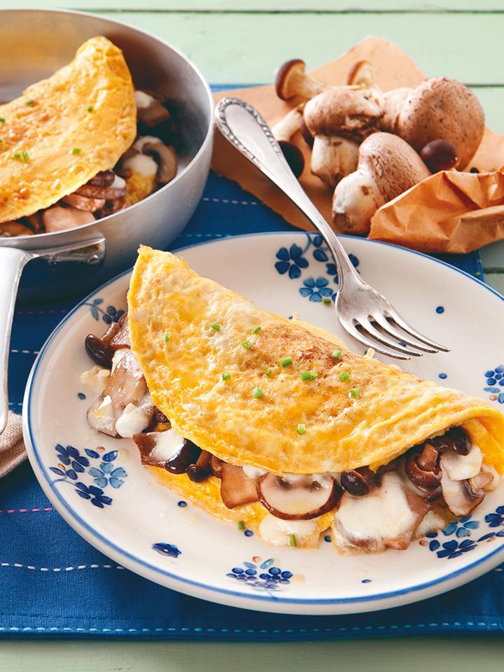 Omeleta s hubami a mozzarellou